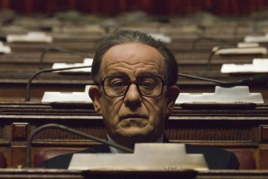 L'acteur Toni Servillo dans le rôle de Giulio Andreotti dans Il divo de Paolo Sorrentino.