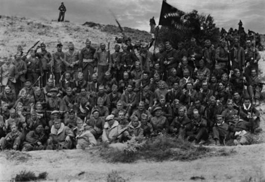 Una compagnia del Battaglione Picelli delle Brigate Internazionali.
