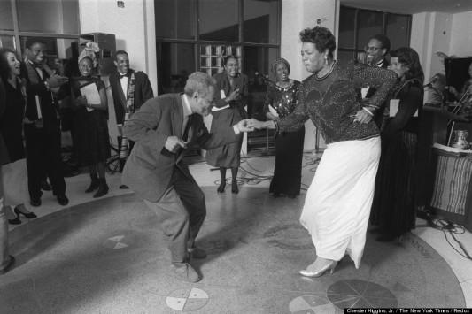 Amiri Baraka et Mayou Angelou dansent au Schomburg Center for Research in Black Culture à New York, le 22 février 1991. Photo: Chester Higgins, Jr. /The New York Times. Le poète et dramaturge Amiri Baraka est décédé le 9 janvier 2014, Maya Angelou le 28 mai dans sa maison de Winston-Salem, en Caroline du Nord.